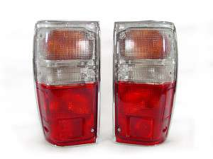 1984 1988 TOYOTA PICKUP TRUCK RED/CLEAR TAIL LIGHTS NEW