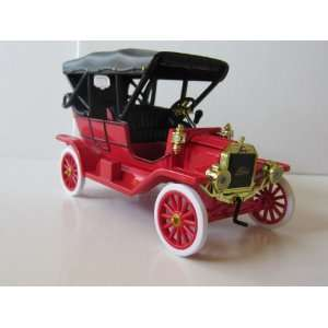 Diecast Model Car 1909 Ford Model T Touring Car
